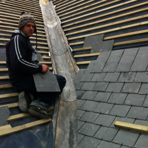Due to the existing change of pitch and the difference in the pitch on the various sections of the roof. The vallys had to be carfully set out. Ben and Stuart from www.http://kernowroofing.com/ did us proud once again